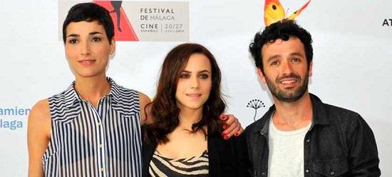 Isabel Peña, Aura Garrido y Rodrigo Sorogoyen de 'Stockholm', 3 biznagas al mejor guión novel, actriz y director