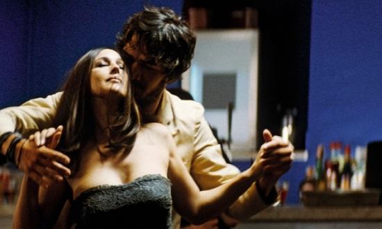 Mónica Belucci, en un baile de seducción con un desconocido