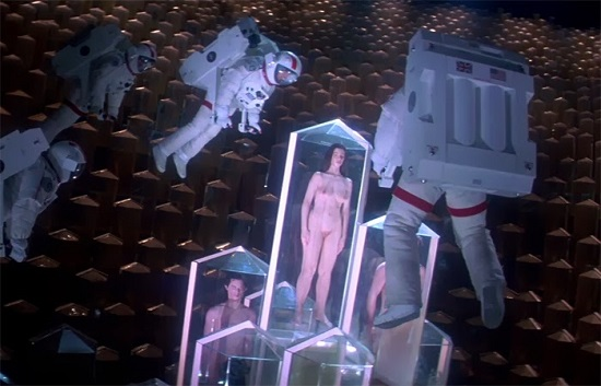 lifeforce-life-force-1985-tobe-hooper-peter-firth-steve-railsback-mathilda-may-movie-film-review-shelf-heroes[1]