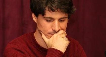 Otra maldita tarde de domingo, Néstor Villazón