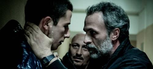Giuseppe Fumo y Fabrizio Ferracane dan vida a un hijo y un padre separados por su actitud ante la violencia