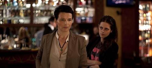 Juliette Binoche y Kristen Stewart son una actriz veterana y su asistente en Viaje a Sils Maria
