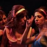 Maribel y la extraña familia ¿Una adaptación para sordos, o una forma de expresar?