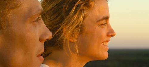 Kévin Azaïs y Adèle Haenel realizan un espléndido trabajo como los dos jóvenes protagonistas de 'Les combattants'