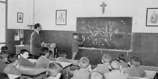 Javier Maqua habla de las miserias de la escuela franquista.