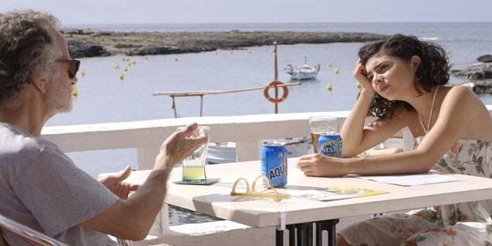 Fernando Colomo se interpreta a sí mismo en esta comedia ligera.