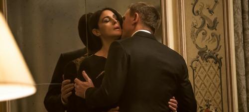 Monica Bellucci encarna a la esposa de un villano que caerá en los brazos de 007 en Spectre