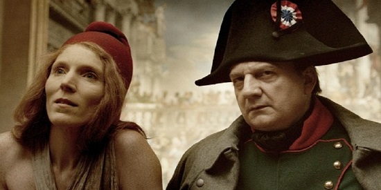 Los fantasmas de Marianne (Johanna Korhals Altes) y Napoleón (Vincent Nemeth) .