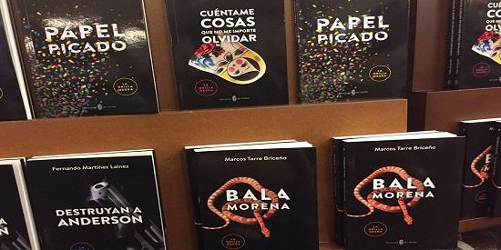 """Algunos de los libros de """"La Orilla Negra"""" de Ediciones del Serbal."""
