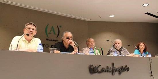De izquierda a derecha, Pablo de Aguilar González, José Luis Muñoz, Fernando Martínez Laínez, Marcos Tarre Briceño, Dauno y Noelia Riaño en la presentación de La Orilla Negra en Ámbito Cultural de El Corte Inglés de Callao, Madrid.