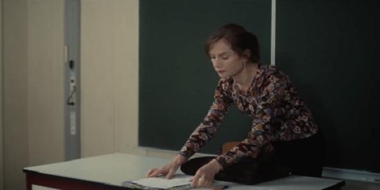 Isabelle Huppert se mete en el personaje de esa profesora de filosofía cuya vida se tuerce.