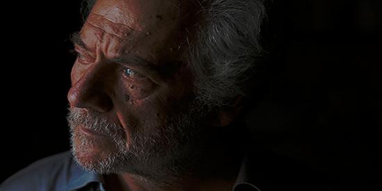Piero Messina explora los rostros de sus personajes a través de primerísimos planos.