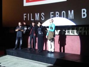 El equipo de Omega en la presentación del film
