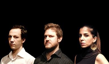 En la imagen los actores Juan Luppi, Lisandro FiksRomina Fernandes.
