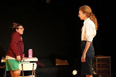 Ángela Cervantes es Julia y Elisa Matilla es Aurora en Martingala