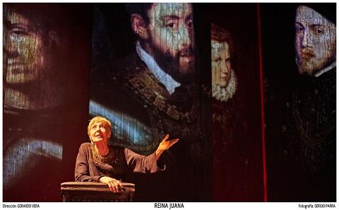 Concha Velasco en un momento de Reina Juana de Ernesto Caballero, dirgida por Gerardo Vera en una imagen de Segio Parra.