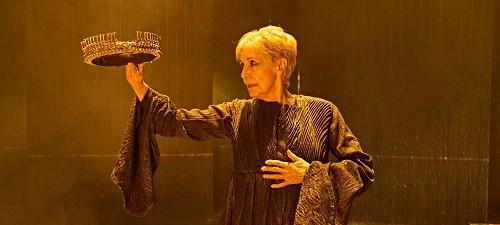Concha Velasco es Reina Juana, de Ernesto Caballero, dirigida por Gerardo Vera