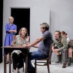 """Daniel Veronese en """"Espía a una mujer que se mata"""", versiona 'Tío Vania' de Chéjov"""