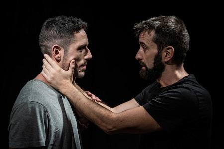 En la imagen Carlos Llorente y Jorge Millán que representaron Cometiendo Aciertos como pareja sentimental