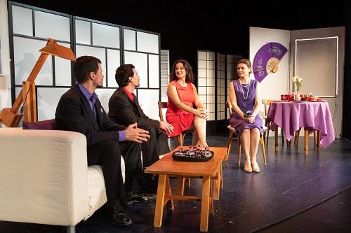 En la imagen los actores Diego Quirós, Chema Coloma Miró, y las actrices Susana Hernáiz Y Elda García, en un momento de la representación de La Extraña Pareja.