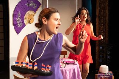 En la imagen Elda García-Posada y Susana Hernáiz, dos actrices perfectas para dar vida a La Extraña Pareja, de Neil Simon.