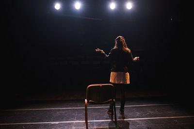 """La actriz Ana Sañiz, sola frente al público en """"No soy un personaje pequeño"""" de José Ignacio Tofé"""