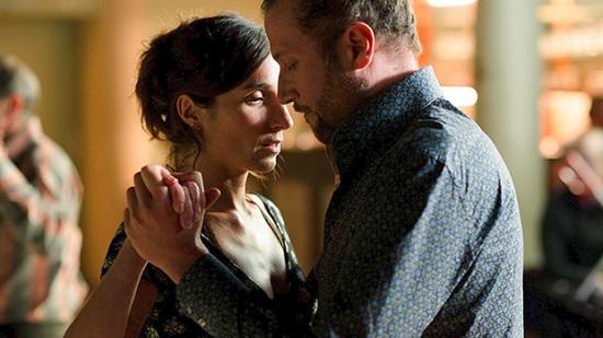 Alice (Anne Paulicevich) tiene marido y amante y un admirador JC (François Damiens)