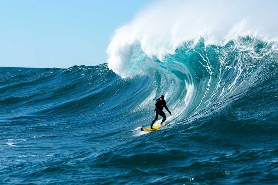 tom-carroll-storm-surfers-movie-still[1]