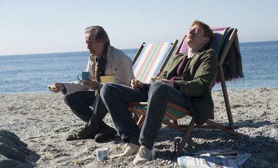 """Bill Nighy y Domhnall Gleeson, padre e hijo en """"Una cuestión de tiempo"""""""