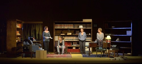 Dones con Jo de Paul Miró con T de Teatre
