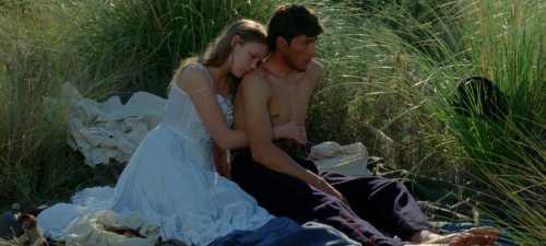 La fuga de una adolescente y un joven soldado desencadena el drama de 'Jauja'.