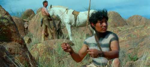 Los seguidores del general Zuloaga funcionan como los indios de este atípico western llamada 'Jauja'.