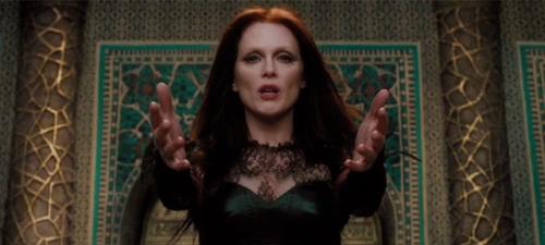Julianne Moore es una bruja malísima en 'El séptimo hijo'