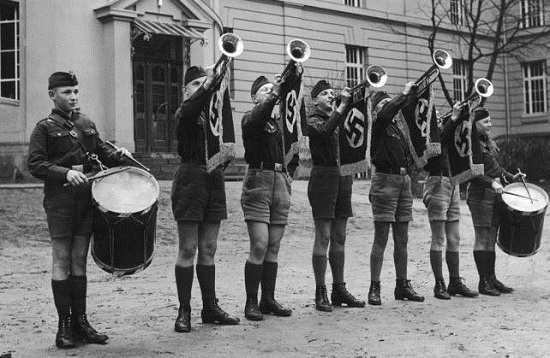 Entre 1942 y 1945 sufrió Thomas Bernhard la educación nacionalsocialista