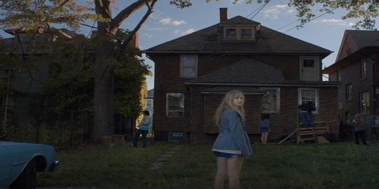 No pueden faltar las casas encantadas en esta película de terror