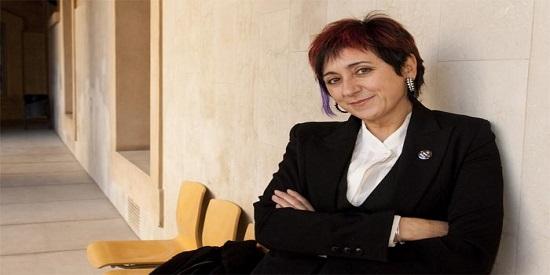 La escritora Elia Barceló, una de las grandes maestras del género fantástico.