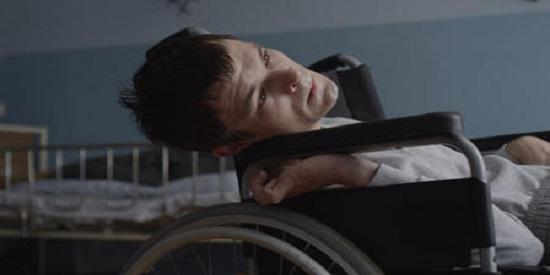 Dawid Ogrodnik hace una interpretación magistral del protagonista.