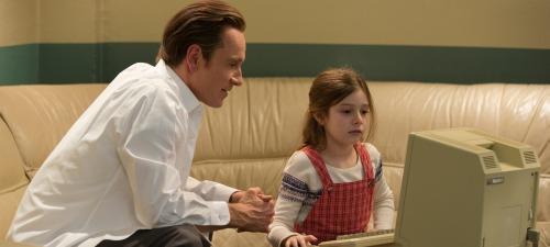 La relación entre Steve Jobs y su hija es uno de los asuntos que aborda la película de Danny Boyle