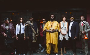 Kamasi Washington y su banda