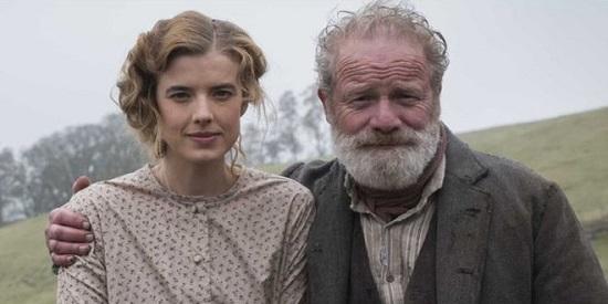El actor Peter Mullan, como siempre, devora la pantalla. Agynes Deyn interpreta a su hija.
