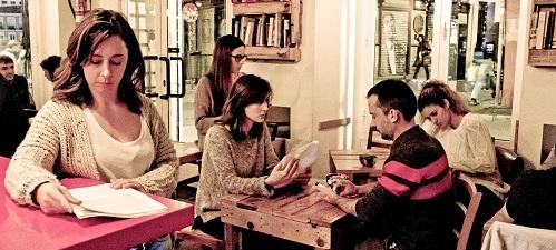"""""""B4 The Play"""" dirigida por Javier Aranzadi. Una versión libre de E.R. de Benet i Jornet"""