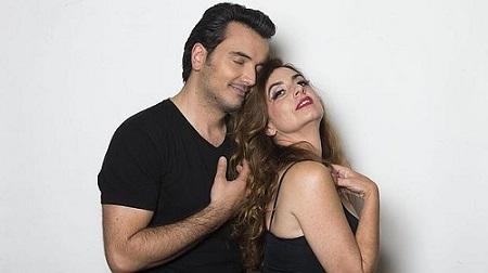 """Los acores Fran Calvo y Lola Baldrich, una pareja con química, son Armando y Margarita en """"Addio del passato"""" de Julio Bravo"""