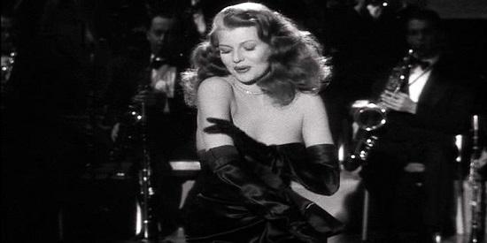 """Durante un pase de la mítica """"Gilda"""" tiene lugar un asesinato en 1948 en la cabina de proyección de un cine de barrio."""