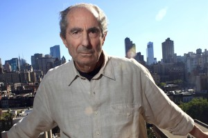 "Author Philip Roth poses in New York September 15, 2010. American novelist Roth dislikes e-books and the distracting influences of modern technology, which he feels diminishes the ability to appreciate the beauty and aesthetic experience of reading books on paper. Picture taken September 15, 2010. The author, celebrated for such novels as ""The Human Stain,"" believes there is nothing anyone can do about it. Yet, even as he shares his belief about new technology, it is hard not to consider that by writing shorter books -- something he has done regularly since his 1959 debut ""Goodbye, Columbus"" -- Roth has long been ahead of his time. REUTERS/Eric Thayer (UNITED STATES - Tags: PROFILE SOCIETY) - RTXT2WK"