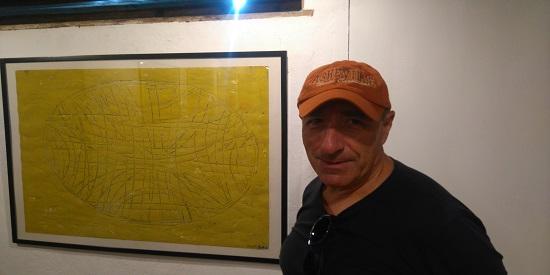El artista ante su obra.