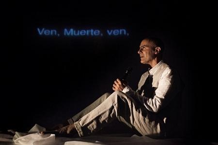 En la imagen Hernán Gené, en un momento de la representación de Mutis