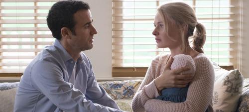Justin Theroux y Rebecca Ferguson dan vida a una pareja aparentemente feliz en 'La chica del tren'