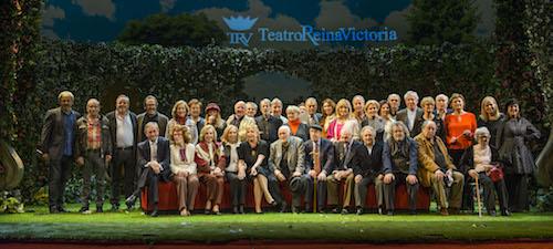 Emotivo homenaje a actores legendarios en el Teatro Reina Victoria.