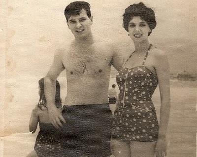 Una imagen feliz de los padres de la autora