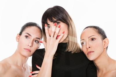 En la imagen Yara Puebla Cecilia, Gessa y Arlette Torres, actrices y directora de Fahrenheit 108, un texto de Javier San Román.